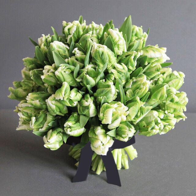 Зеленоград, букет из зеленых тюльпанов