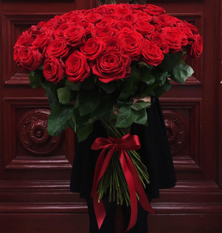 тому картинка букет роз с женским образом именно